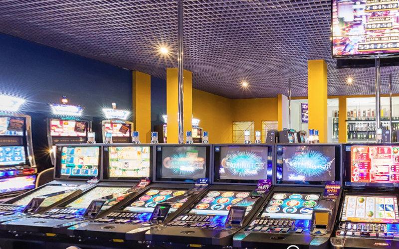 Зал игровых автоматов Magic Crystal